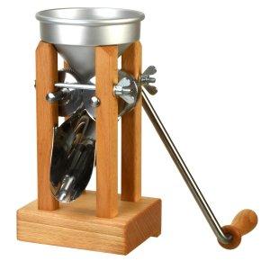 Bild 2 zu Artikel Eschenfelder Kornquetsche mit Alutrichter