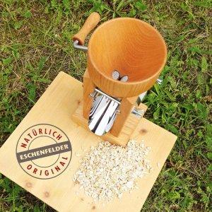 Bild 5 zu Artikel Eschenfelder Kornquetsche mit Holztrichter aus Buche