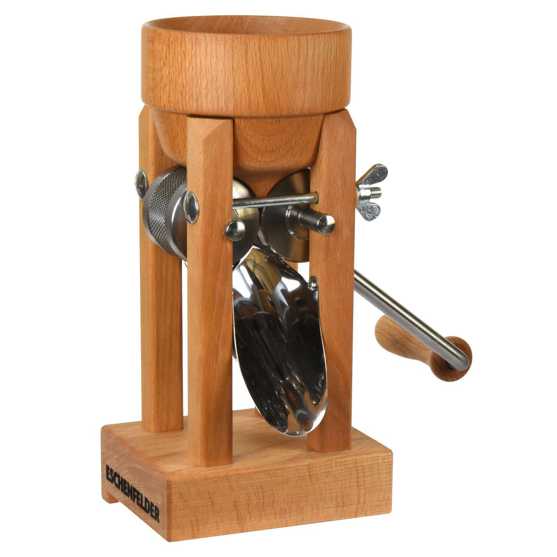 Bild zu Eschenfelder Kornquetsche mit Holztrichter aus Buche